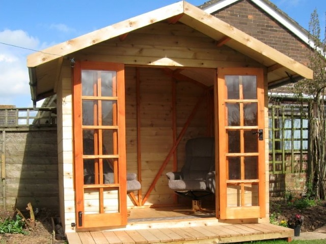 Example of British Western Red Cedar Summer House